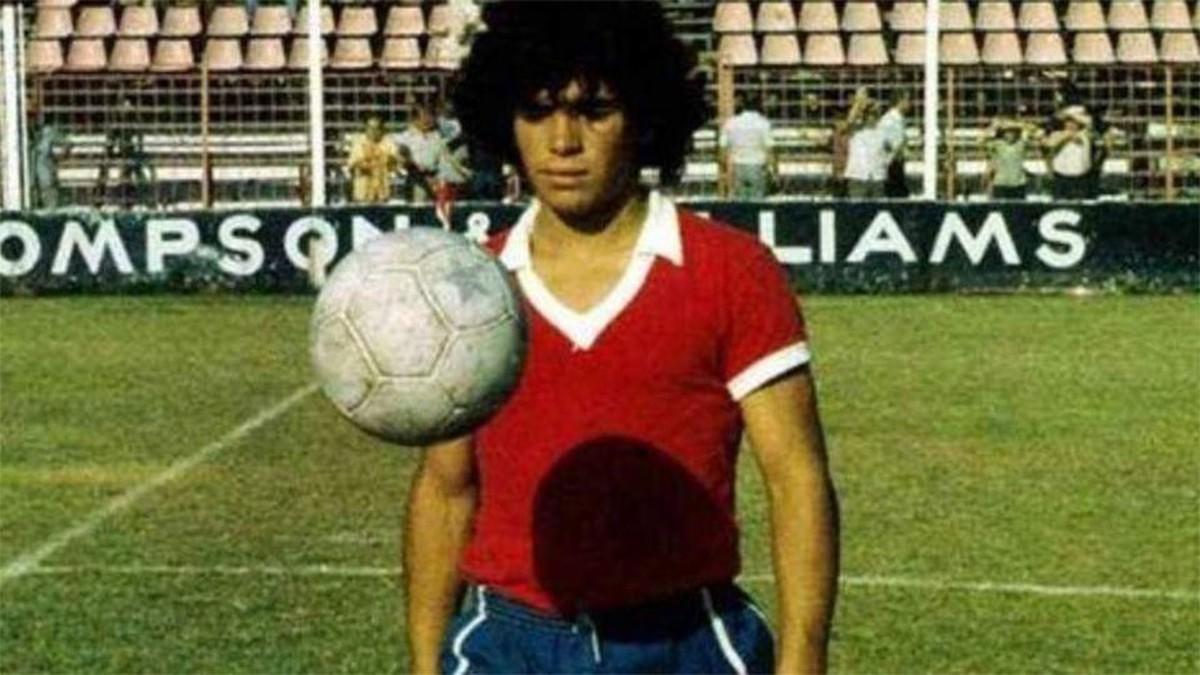 """Profe, tengo un amigo mejor que yo"""": el día que Maradona llegó a Argentinos"""