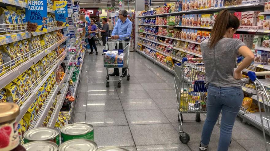 Peligra congelamiento de precios y crece la tensión entre industria alimenticia y el Gobierno