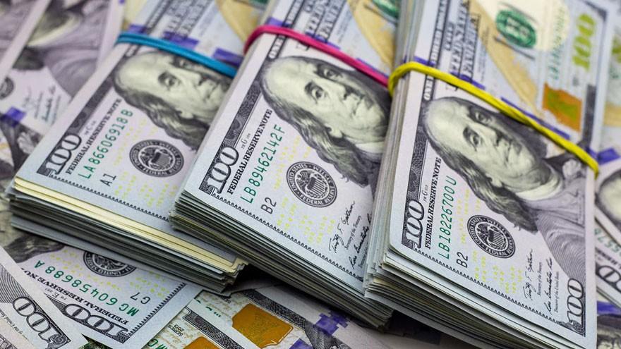 """El Gobierno, dispuesto a adoptar la """"mano dura"""" para frenar al dólar tras el fracaso del canje"""