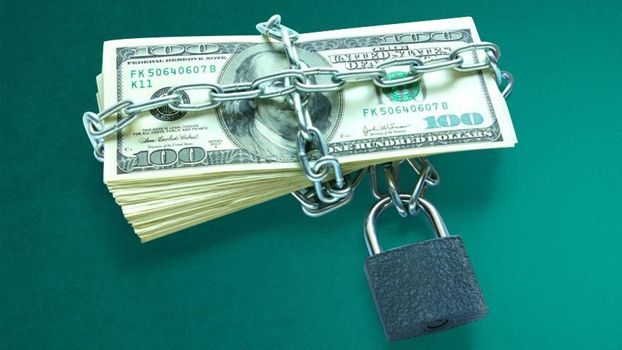 """Ante ola de compra de dólares, el Gobierno piensa en nuevos impuestos como """"desincentivo"""" para los ahorristas"""