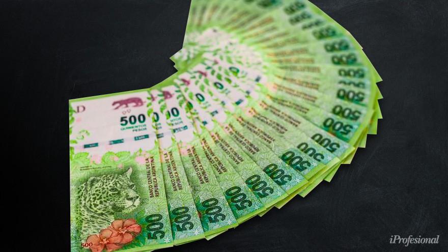 Nadie quiere pesos: el colapso de la moneda golpea los negocios